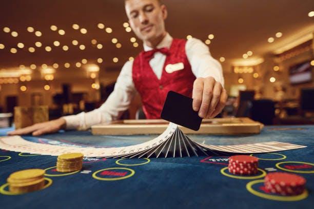 Casinos físicos aceptarán menos visitantes